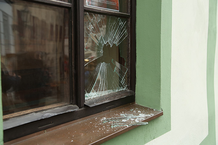 A2B Glass are able to board up broken windows while they are being repaired in Yiewsley.